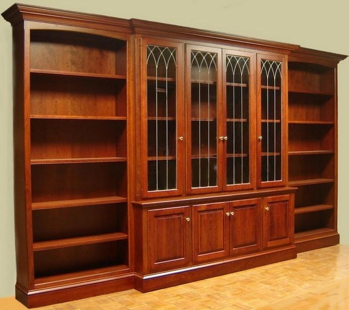 mobile libreria in legno con vetri trento