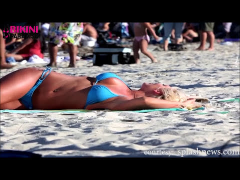 Hot Bikini Girls Seducing People With Their Sexy Moves Compilation