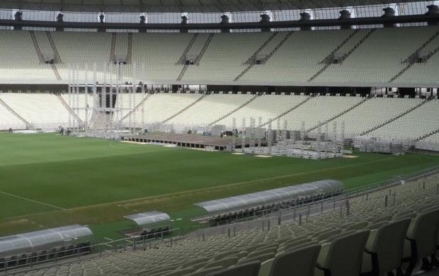 Montagem palco show Paul McCartney Arena Castelão (Foto: Arte Produções/Divulgação)