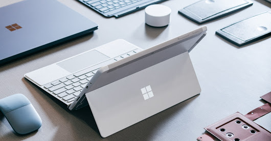 Surface Go Is Microsoft's Big Bet on a Tiny-Computer Future