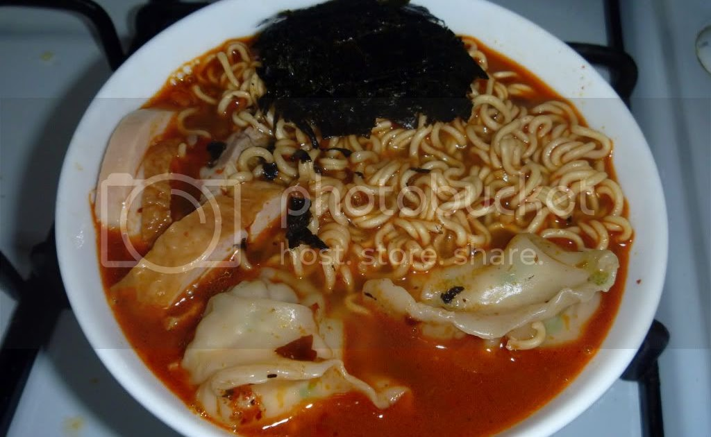... : Sichuan Mala Noodles With Prawn Gyoza & Sliced Roasted Chicken