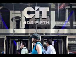 CIT Sees $900M Quarterly Loss; Shares Fall