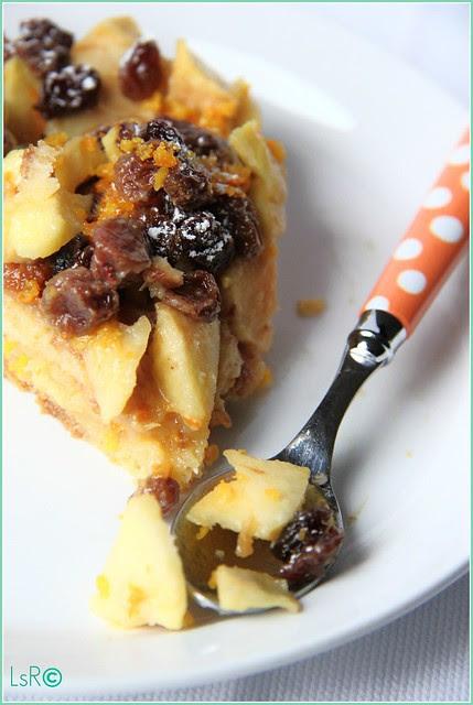 Torta di pandoro con mele e uvetta sultanina macerata nel calvados