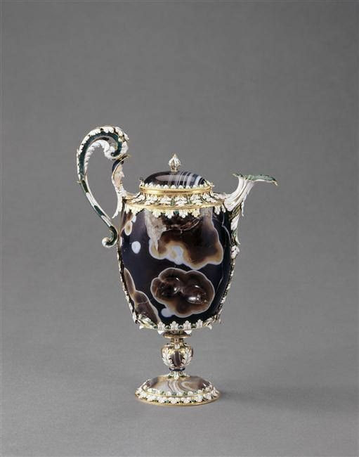 Aiguière en sardoine, entrée dans la collection de Louis XIV avant 1673 - Pierre: 1er av J.C.-1er siècle ap J.-C; monture: Paris, vers 1665 - Paris, Musée du Louvre