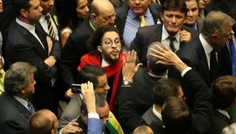 Jean Wilis - Cuspe - Bossonaro - Câmara dos Deputados