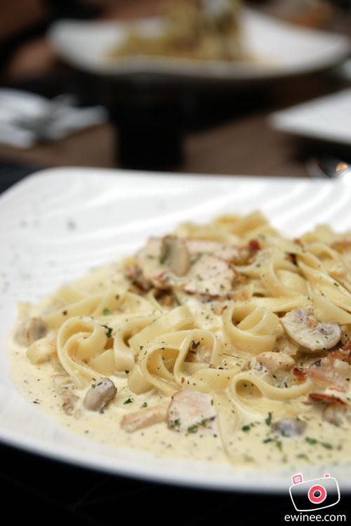 d'ITALIANE-ITALIAN-RESTAURANT-SUNWAY-GIZA-Cheesy-Pasta