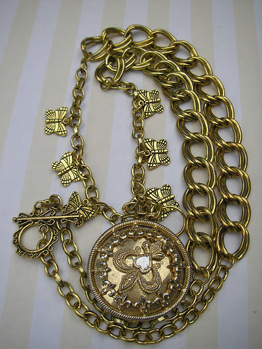 Secret Garden Locket Necklace! 2