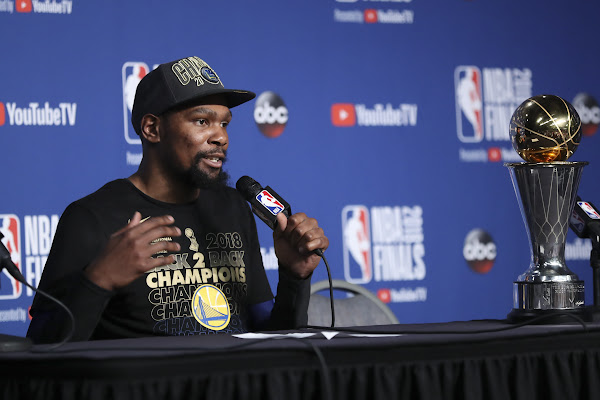 4c8d4c0838fe Reports  Kevin Durant seeking one-year deal with player option from Warriors