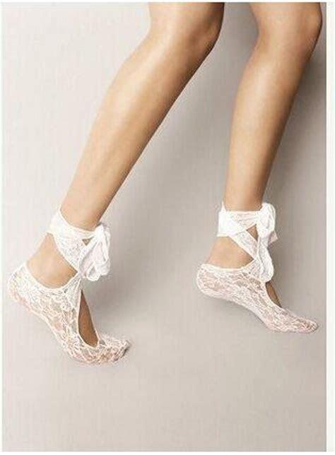 2016 Hottest White Lace Wedding Shoes Socks Custom Made