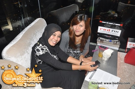 Party Red FM