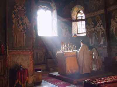 Αποτέλεσμα εικόνας για sfanta liturghie raza lumina