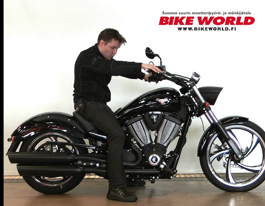 Bike World Esittely: 2013 Victory Vegas 8-Ball
