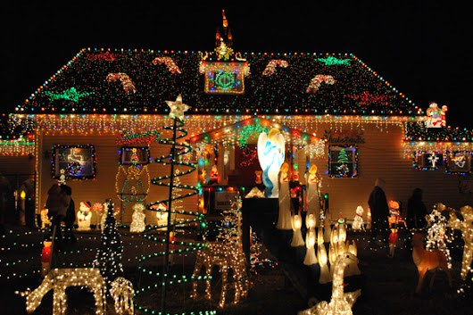Secrets of a Pro: How to Create a Dazzling Christmas Light Display