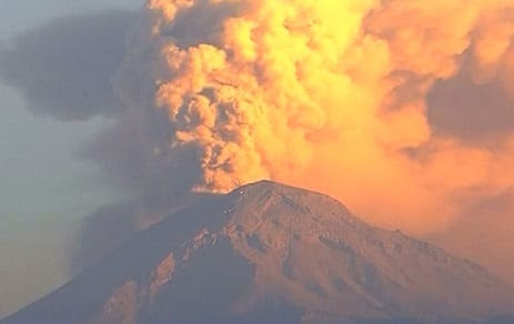 Mexican volcano eruption sends ash two kilometers into the air | Travel News | eTurboNews