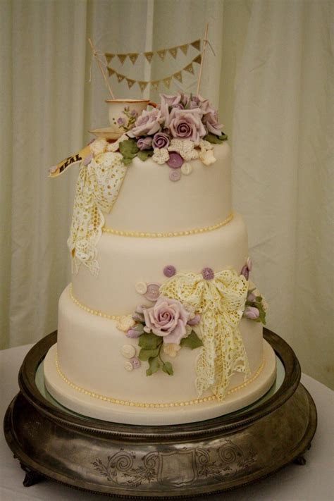 Sylvia's Kitchen   Luxury Hand Crafted Wedding Cakes