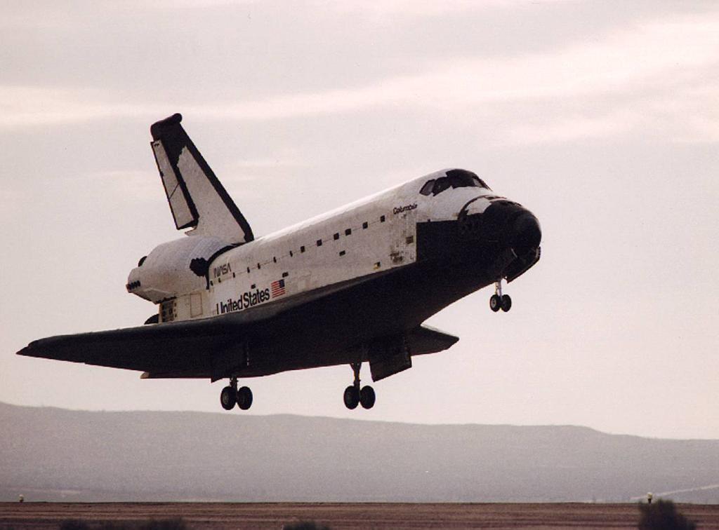 May06-1993-STS55landing