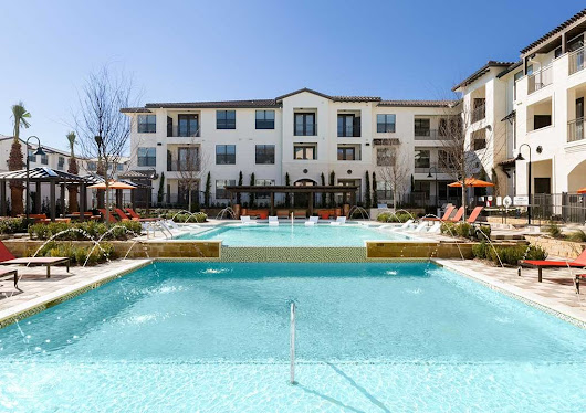 1 MONTH FREE!! | Las Colinas Apartments Specials