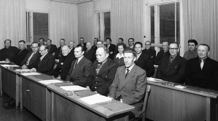 Alatornion kunnanvaltuusto istuntosalissaan