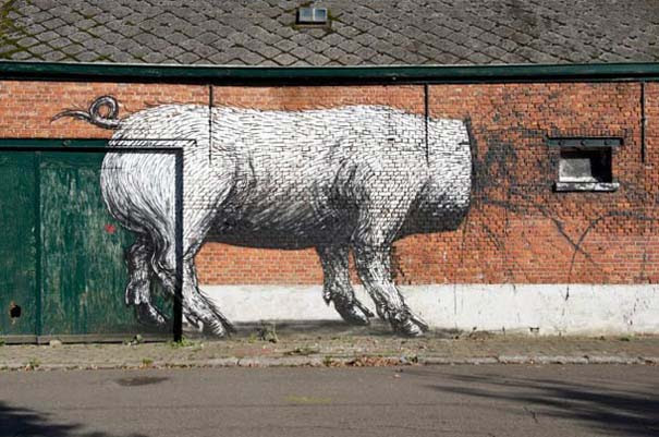 Doel: Το εγκαταλελειμμένο χωριό που παραδόθηκε στην τέχνη του δρόμου (27)