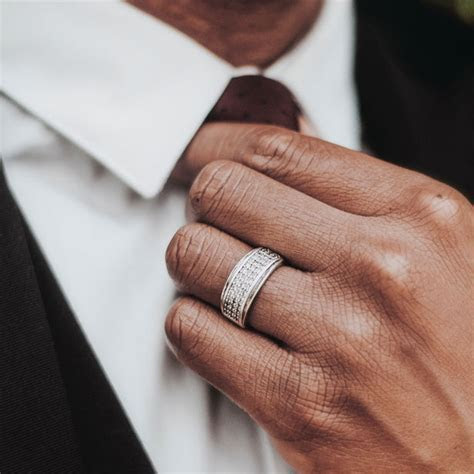 Your Guide to Men's Wedding Band Styles