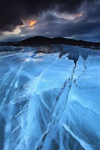 Relentless Force - Svínafellsjökull Glacier in Skaftafell, Iceland por orvaratli