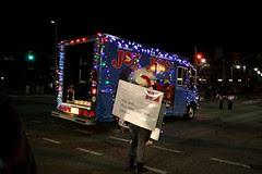 'help santa toy parade'