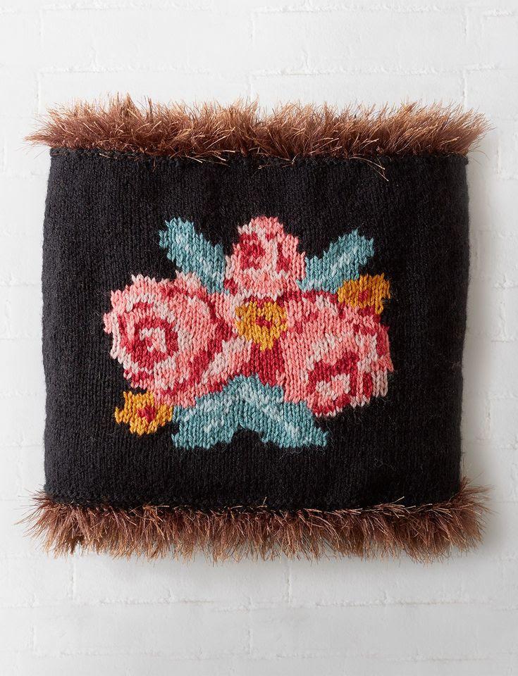 patons Russian Rose Cowl - Patterns  | Yarnspirations