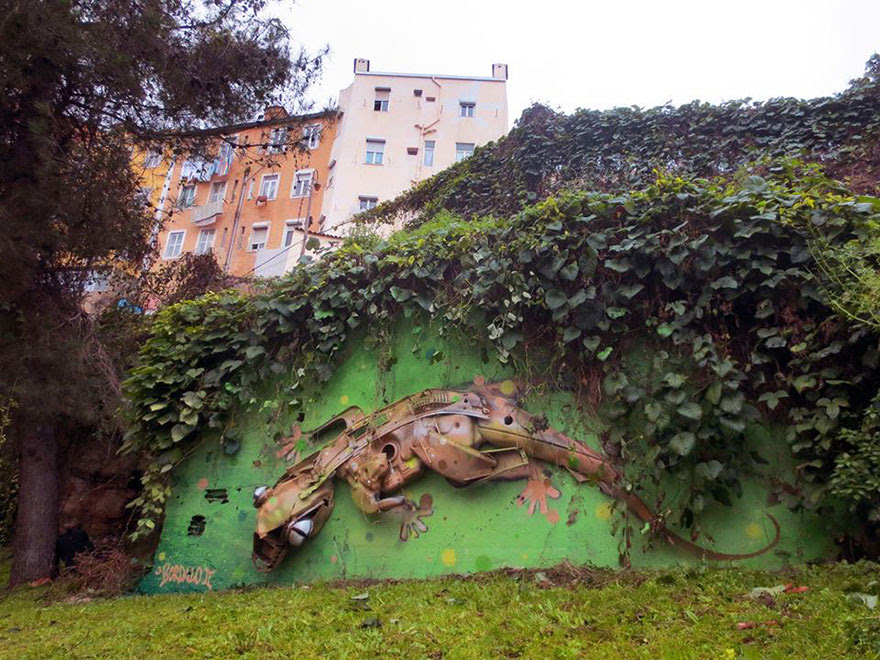 recycled-sculptures-street-art-big-trash-animals-artur-bordalo-7