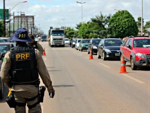 Polícia Rodoviária Federal inicia 'Operação Carnaval' em 2017