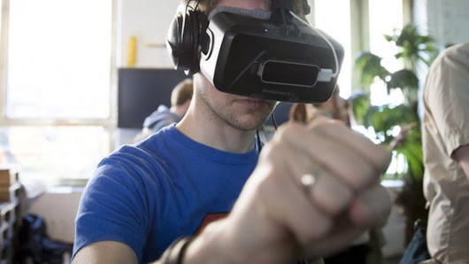 Oculus VR headset gets early-2016 launch date - BBC News