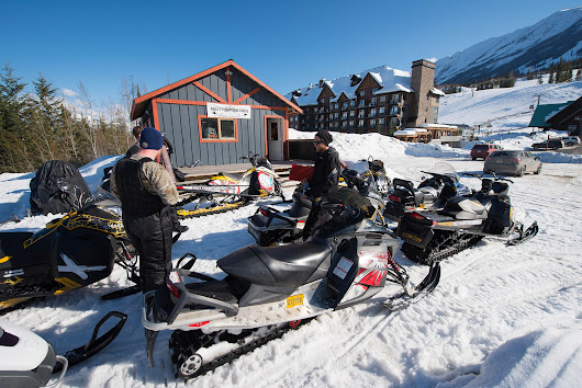 Kicking Horse Snowmobile Tours – Rocky Mountain Riders