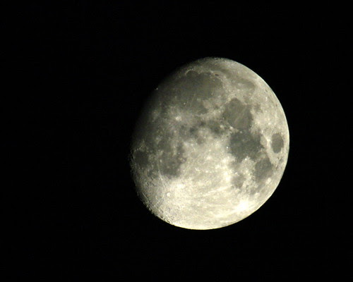 moon shot with Kenko Tokina PZ-af 2x teleplus mc7, pentax f* 300mm f/4.5 and pentax k20d