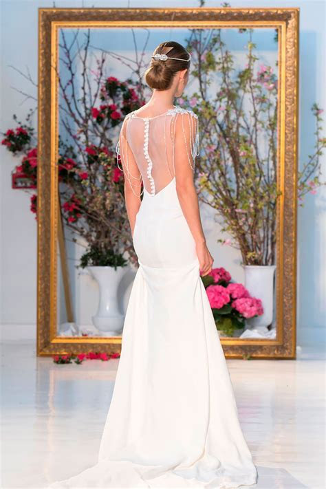 Wedding Dresses from bespoke to highstreet: how to find