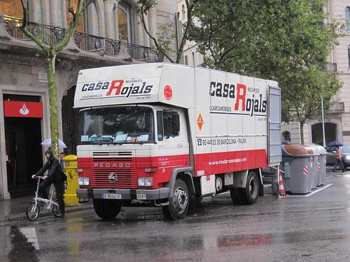 Pegaso Tecno de mudances de la Casa Rojals de Barcelona
