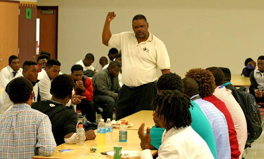 Lee Roy Selmon Inspires Pastor to Feed Student Athletes