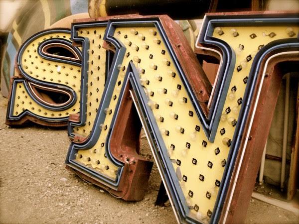 vegas boneyard 11 600x450 Vegas Boneyard   The Neon Graveyard