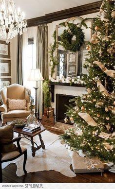I like the colour scheme- can't wait to start decorating for xmas!#xmas #holiday #happyholiday #merrychristmas #christmasdecorating #chrismtmasdecor #holidaydecor #redandgreen #decor #festive #deckthehalls #happyholidays #bestholidayideas #bestchristmasideas #christmasplanning #holidayrecipes #baking #holidaybaking #cooking #recipes #bestholidayrecipes #bestchristmasrecipes www.gmichaelsalon.com