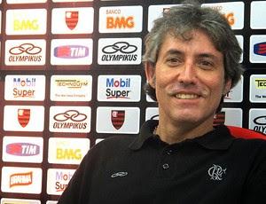 Paulo César Coutinho durante coletiva do Flamengo (Foto: Richard Souza / Globoesporte.com)