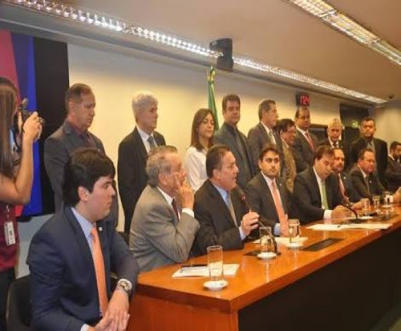 Bancada federal atende pleito da FAMEM e destina R$ 163 milhões para saúde