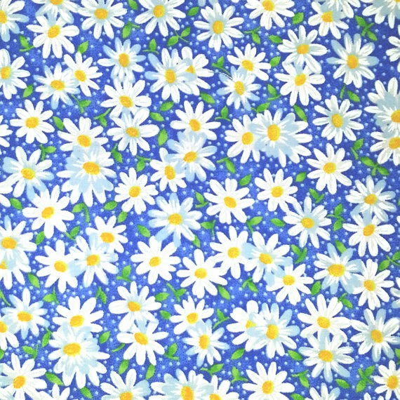 Small Daisy Fabric  by Fabric Traditions by apronbabe on Etsy