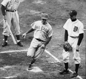 1945 World Series between the Detroit Tigers and Chicago Cubs. Cubs Don Johnson scores. (Credit: Sporting News/Getty Images)