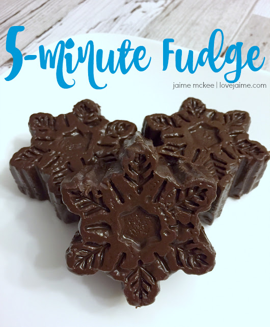 Five Minute Fudge Recipe - super simple to make!