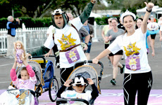Mickey Mouse and Minnie Mouse Royal Family 5K