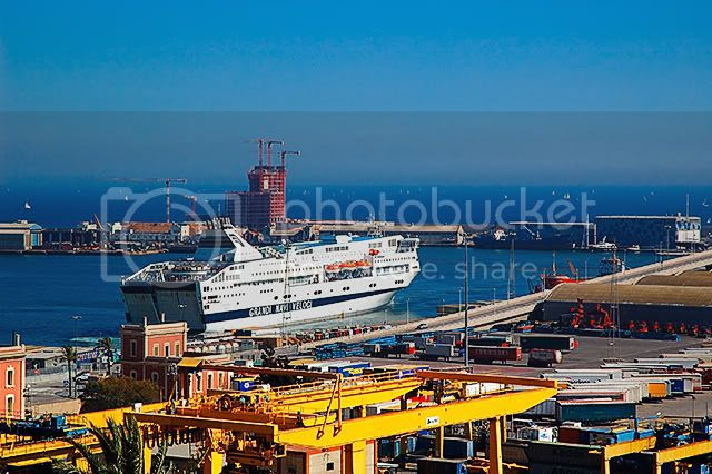 Cruise Ferries at Barcelona Port: Grandi Navi Veloci [enlarge]