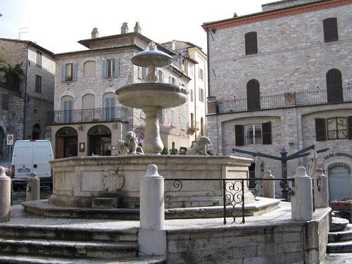 94-Main Square Fountain