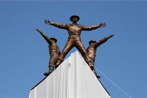"""HHhH, de Laurent Binet: Monumento a la """"Operación Antropoide"""" en Praga"""