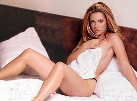 Melissa Joan Hart Nude Pics (@Tumblr)   Top 12 Hottest