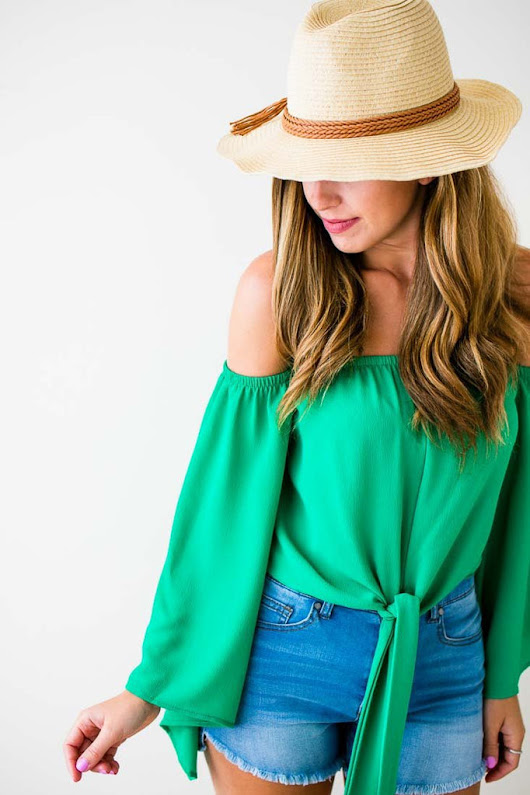 The Complete Guide to Shopping Trendy Women's Tops Today!