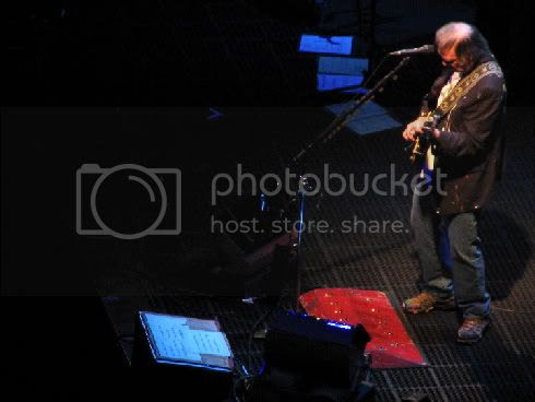 Neil Young @ Air Canada Centre (December 4, 2008)