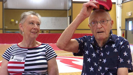 WWII veteran, 96, works through PTSD by helping military children